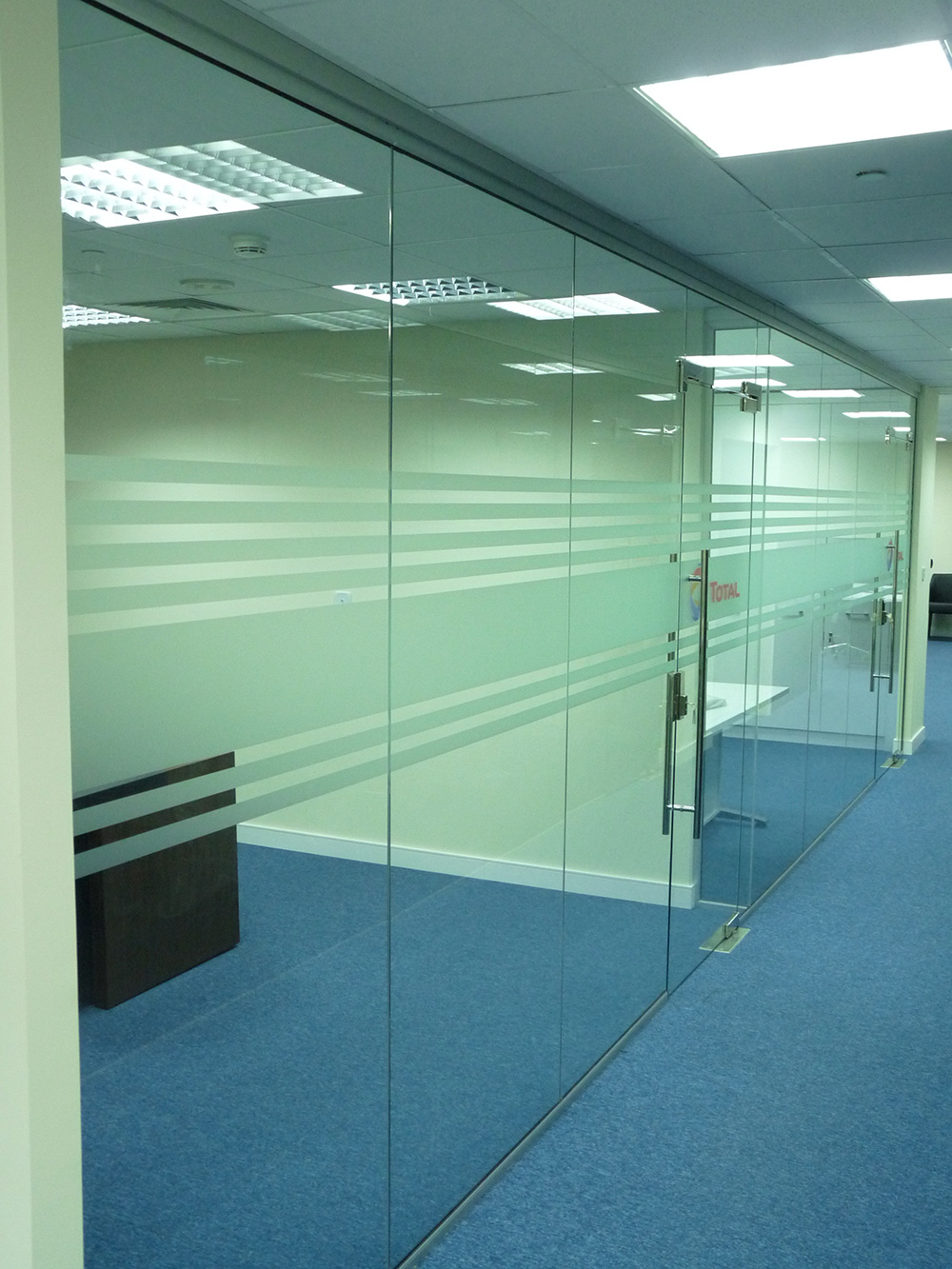 gdg_technical_services_dubai_glass_partitioning_1