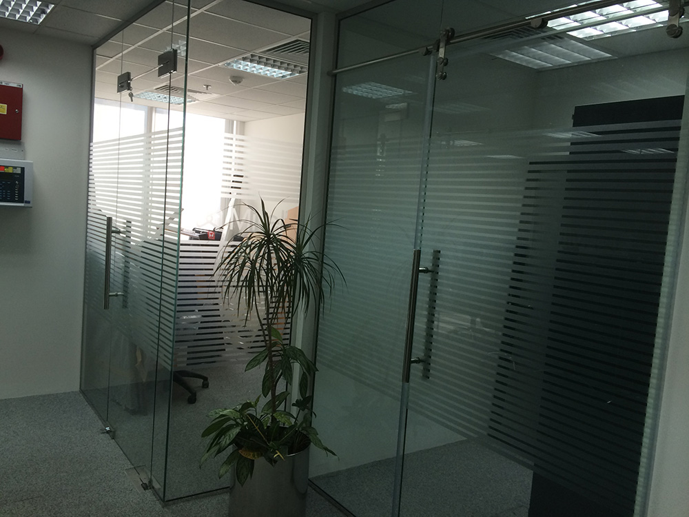 gdg_technical_services_dubai_glass_partitioning_7